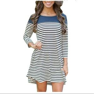 Dresses - Striped tunic dress // Teal